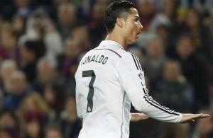 Cristiano pidiendo calma al Camp Nou